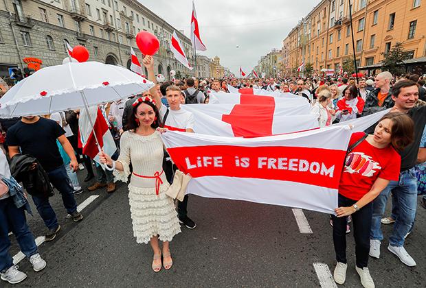 Демонстрация оппозиции в знак протеста против результатов президентских выборов в Минске в августе 2020 года