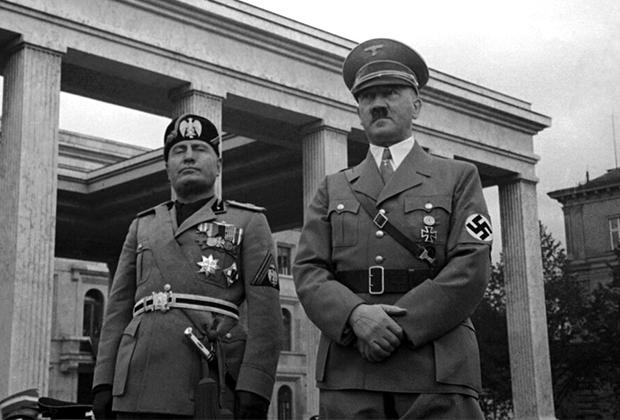 Бенито Муссолини и Адольф Гитлер. Мюнхен, 1937 год