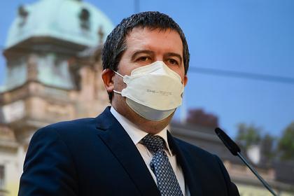 Главу МВД Чехии обвинили в раскрытии чешских шпионов в России