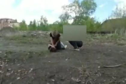 Российские школьницы жестоко избили сверстницу и разослали видео знакомым