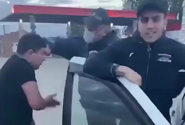 Кадры задержания Векила Абдуллаева и его друзей