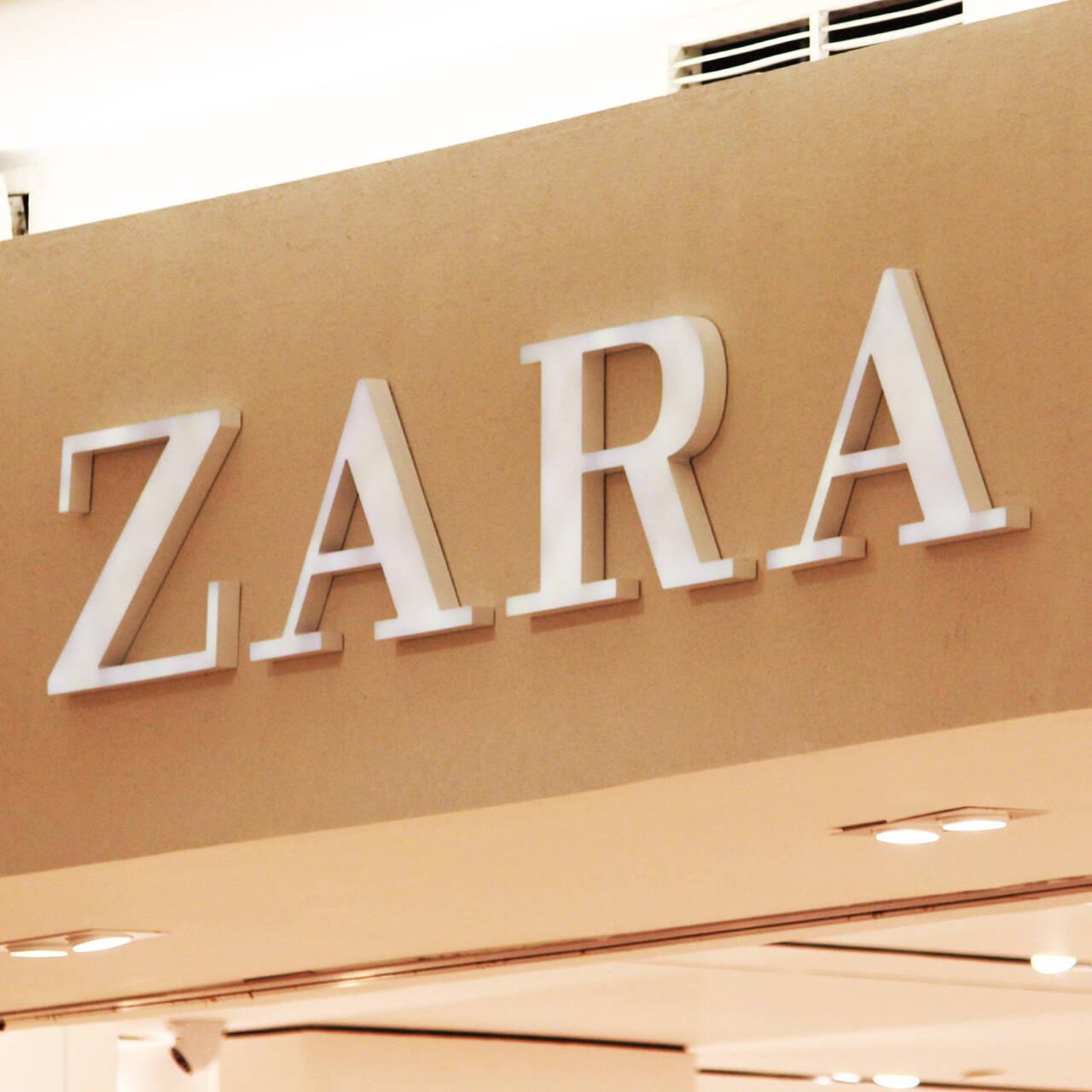Утонченная фигурка Zara извивается в постельном белье