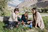 В последние годы Таджикистан стал популярным направлением среди искателей приключений и велосипедистов. Хотя дороги здесь местами неровные, пейзажи и гостеприимство местных жителей никого не оставляют равнодушными. Почти в каждой деревне есть так называемые хоумстейны, где за небольшие деньги можно получить еду и жилье и познакомиться с дружелюбными людьми.