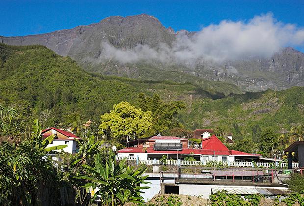Вулкан Питон-де-Неж