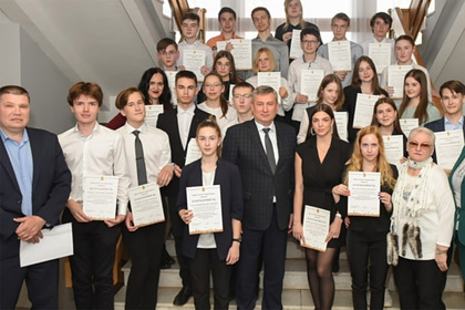 Ставших призерами всероссийской олимпиады школьников наградили майонезом