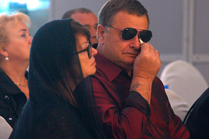 Владимир Фриске и Ольга Копылова  на похоронах