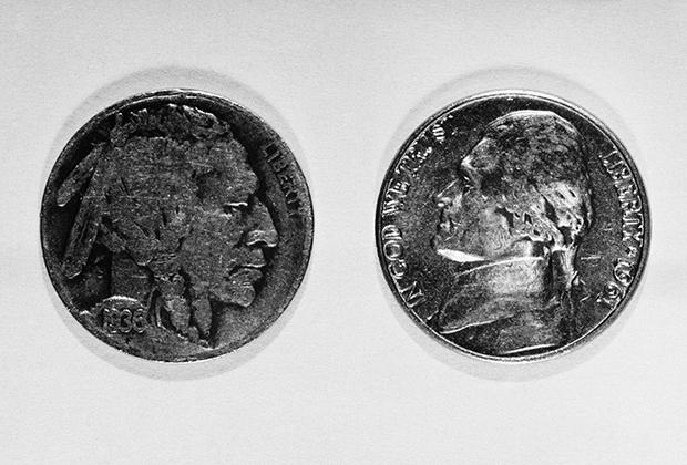 Муляж монеты, который Вильям Фишер использовал для передачи секретных данных