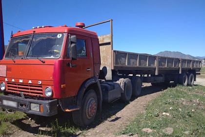 Россиянин выжил после наезда грузовика