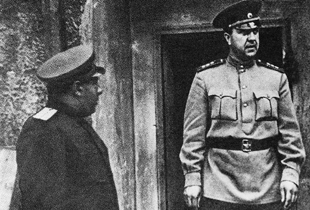 Начальник Главного управления контрразведки СМЕРШ Виктор Семенович Абакумов на фронте