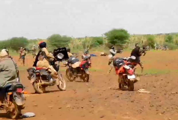 Нападение боевиков ИГ на членов «Аль-Каиды»