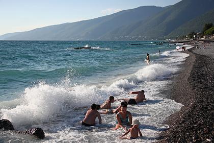 Россиянка сравнила пляжи в Сочи и Абхазии и выбрала лучший курорт