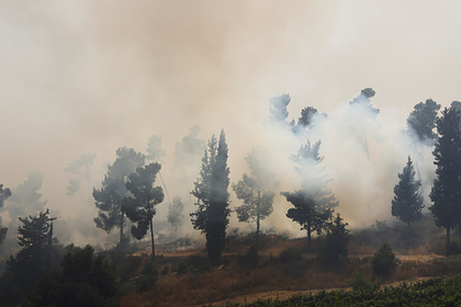 Огонь подступил кИерусалиму