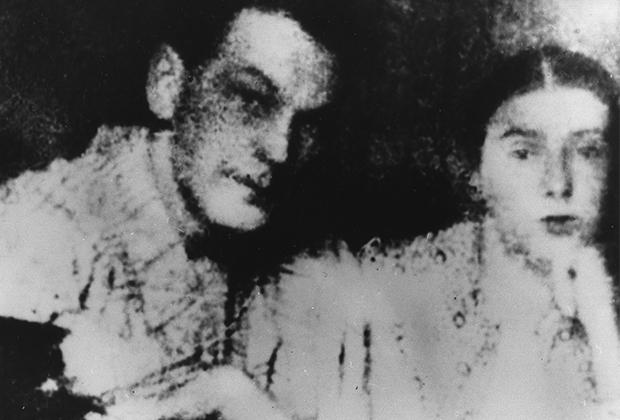 Рихард Зорге с женой Екатериной Максимовой