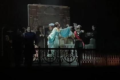 Появилось видео выступления Ольги Бузовой на сцене МХАТа
