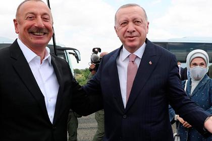 Эрдоган приехал в Карабах