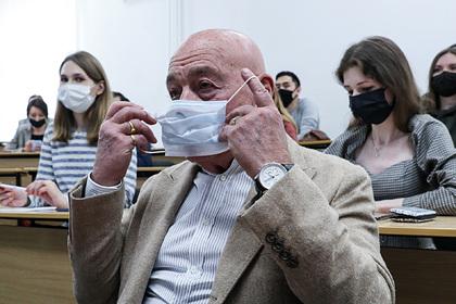 Познер выступил за обязательную вакцинацию россиян