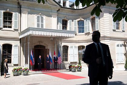 Путин и Байден начали переговоры в расширенном составе