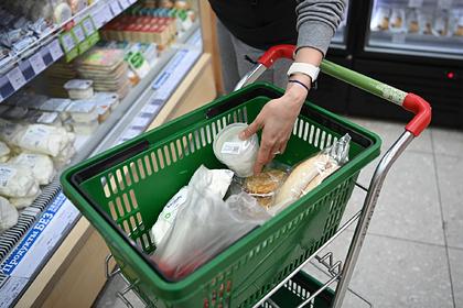 Треть россиян призналась в экономии на еде