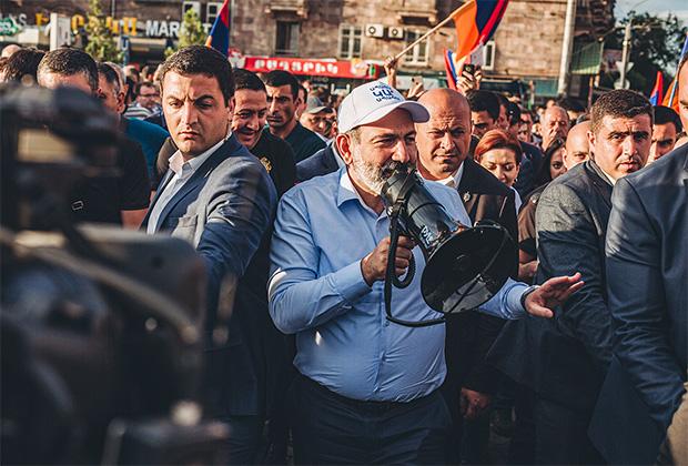 Никол Пашинян на митинге своих сторонников