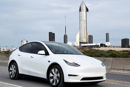 10-месячный ребенок накупил обновлений для Tesla на 10 тысяч долларов