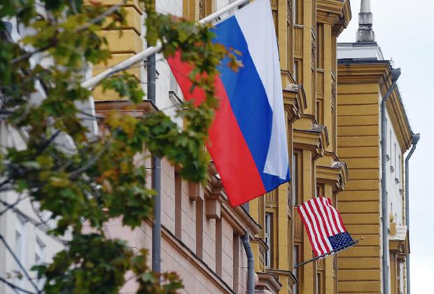 Здание посольства США в Москве на Новинском бульваре