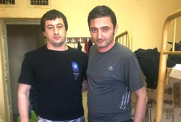 Тенго Потийский (справа), 2011 год, ИК-2 в Махачкале