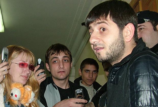 Капитан сочинской команды КВН «Утомленные солнцем» Михаил Галустян во время встречи со студентами в Хабаровске