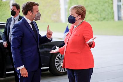 Меркель и Макрон вместе подумают о России