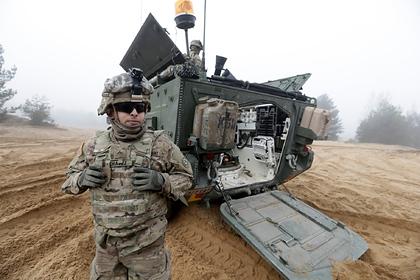 Псаки назвала абсурдом сообщения оприостановке военной помощи Украине