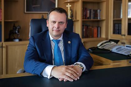 Губернатор российского региона в третий раз привился от COVID-19