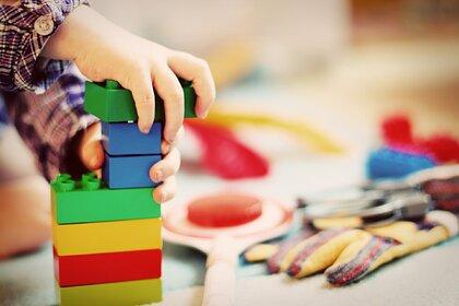 Россиянам дали советы по выбору безопасных игрушек для детей