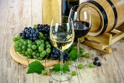 Кардиолог развеяла миф о превосходстве красного вина над белым