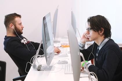 Первые выпускники программы по цифровым медиакоммуникациям завершили обучение