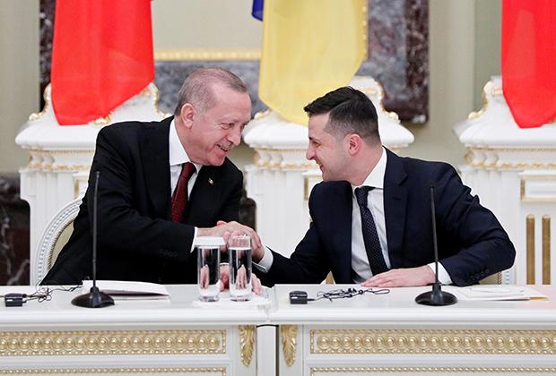 Президент Украины Владимир Зеленский и президент Турции Реджеп Тайип Эрдоган на встрече в Мариинском дворце в Киеве, 3 февраля 2020 года