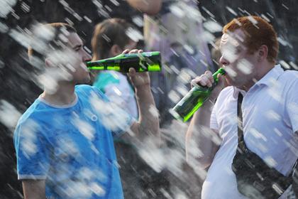 Российский врач рассказал об опасности пива в жару