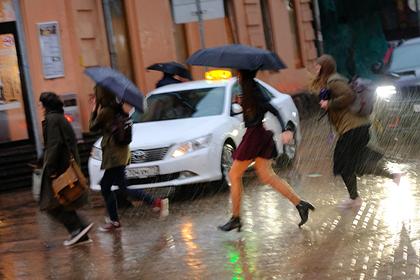 В Москве предрекли ураган с грозой и градом