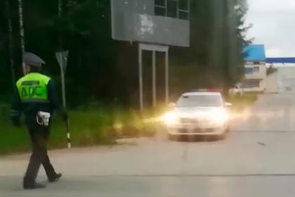 ГИБДД остановила и начала штрафовать ехавшего в больницу в крови россиянина