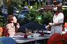 Власти Москвы рассказали оправилах посещения «бесковидных» ресторанов