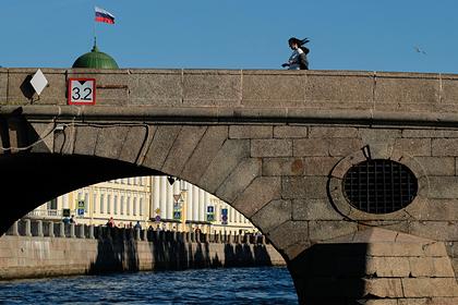 В Петербурге затонуло судно после столкновения степлоходом