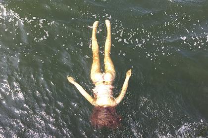 Спасенная японскими водолазами женщина оказалась куклой для утех