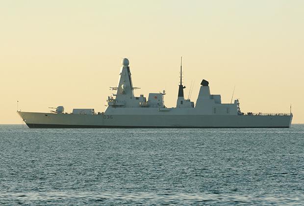 Эсминец Defender Военно-морских сил Великобритании