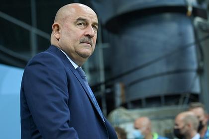 Агент Черчесова оценил вероятность ухода тренера из сборной России