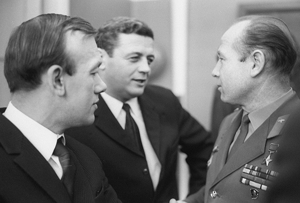 Космонавты Алексей Елисеев, Владислав Волков, Алексей Леонов (слева направо)