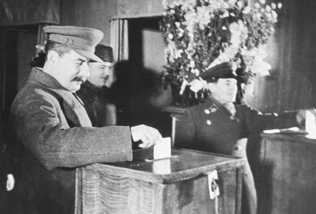 Иосиф Сталин и Николай Ежов