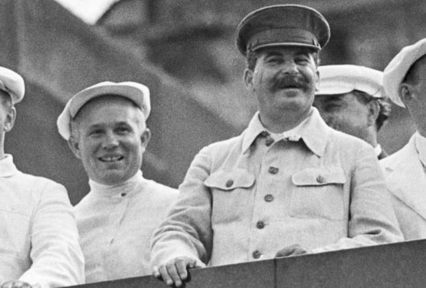Никита Хрущев и Иосиф Сталин
