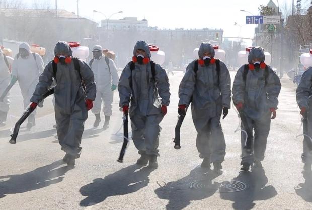 Дезинфекция улиц в Китае во время пандемии коронавируса