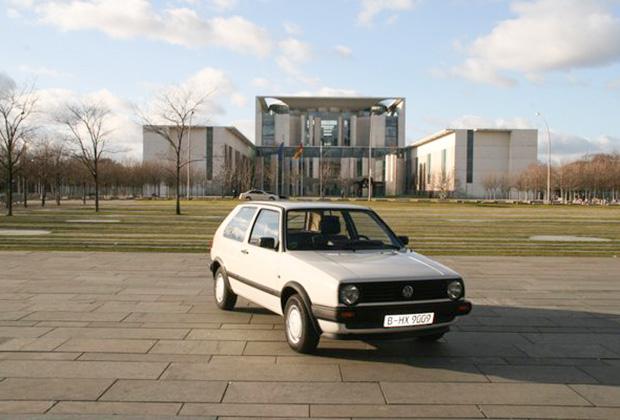 Первый автомобиль Volkswagen Golf Ангелы Меркель