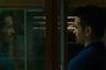Как только не складываются режиссерские карьеры — но у американского корейца Когонады (это псевдоним) получается такая, какая возможна только в XXI веке. Он сделал себе имя как автор прорывных видеоэссе (никто другой на планете так наглядно не демонстрирует искусство золотого сечения в фильмах Уэса Андерсона или постановки камеры у Ясудзиро Одзу) — а с дебютным полным метром «Колумбус» показал, что вполне способен и сам мастерски выстраивать кадр и дирижировать чувствами зрителя. В новой работе неуловимого режиссера ставки повышаются — во-первых, на уровне жанра («После Янга» разворачивается в будущем, где люди активно привлекают к домашним делам роботов), а во-вторых, в плане кастинга (главную роль играет звездный Колин Фаррелл).
