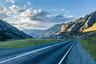 Чуйский тракт пролегает от Бийска на юг России к границе с Монголией. Когда-то он был небольшой тропой — русские купцы вели там активную торговлю выделанной кожей, тканями и топорами с монголами, китайцами и тибетцами. Сейчас в народе дорогу называют Русской Швейцарией. По версии National Geographic, Чуйский тракт входит в десятку самых красивых дорог мира. По пути можно заехать в село Майма, где находится первый каменный храм Горного Алтая.