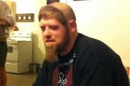 Окольцовывающая голову борода стала трендом у мужчин